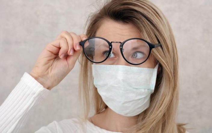 Coronavirus lenti a contatto e occhiali